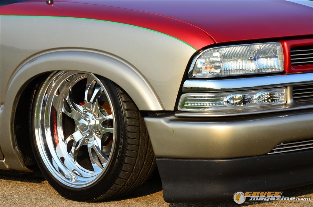 Custom Chevy S Gauge on 2001 Chevy Cavalier Tire Size