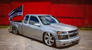 chris owen's 2005 chevy colorado on air ride.