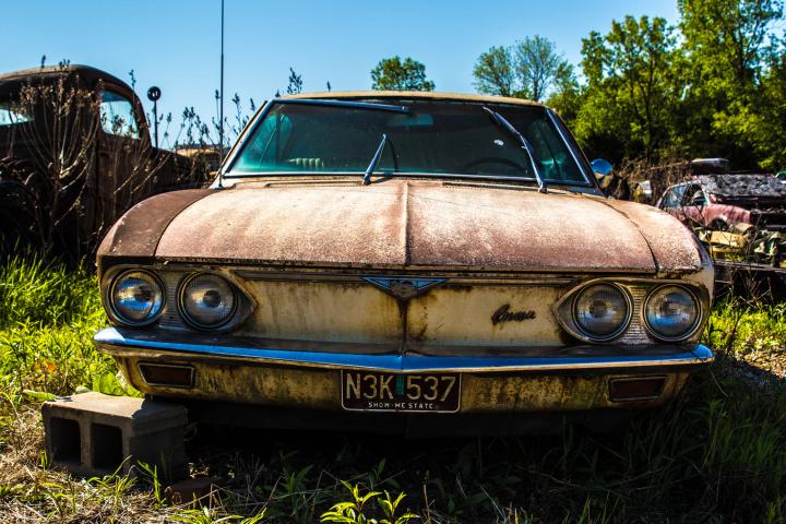 old-broken-car.png