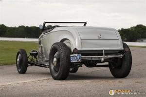 1932fordroadsterwillythrump-5 gauge1383233088