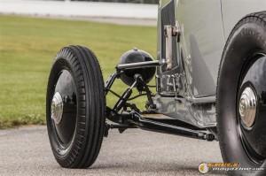 1932fordroadsterwillythrump-6 gauge1383233088
