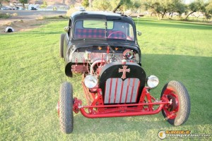 1947-chevy-rat-rod-dually-douglas-denham-29 gauge1409673787