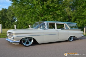 1959-chevy-wagon-on-air-suspension-rusty-town gauge1420230145