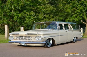 1959-chevy-wagon-on-air-suspension-rusty-town gauge1420230164