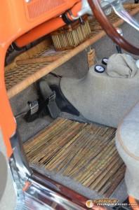 1963-vw-beetle-lowered-30 gauge1435682446
