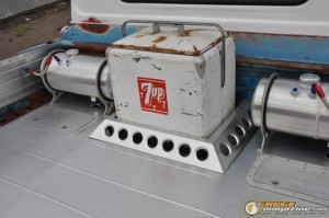 1965-chevy-c10-air-ride-13 gauge1427485077