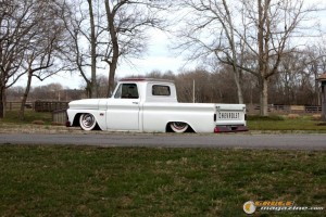 custom-chevy-c10-20 gauge1370208398