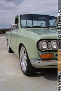 GaugeMagazine 1968 Datsun 001a
