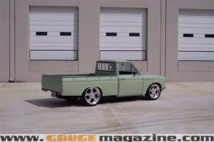 GaugeMagazine 1968 Datsun 004