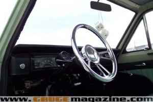 GaugeMagazine 1968 Datsun 014