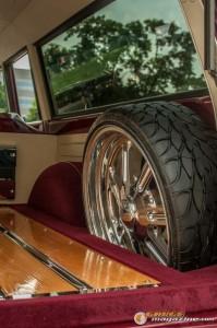 custom-1969-chevy-suburban-28 gauge1422891975
