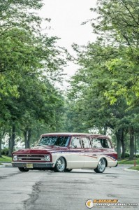 custom-1969-chevy-suburban-2 gauge1422891982