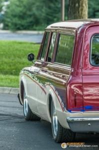 custom-1969-chevy-suburban-7 gauge1422891975