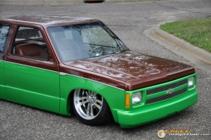 1990-chevy-s10-body-drop-robert-conroy-3 gauge1420230328