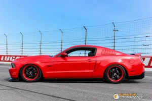 2011-ford-mustang-on-air-suspension-james-wel gauge1420230574