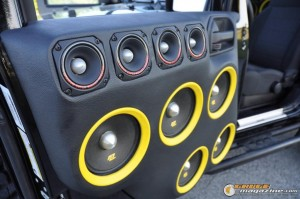 mclaren-jeep-car-audio-4 gauge1404161357