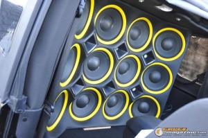 mclaren-jeep-car-audio-6 gauge1404161355