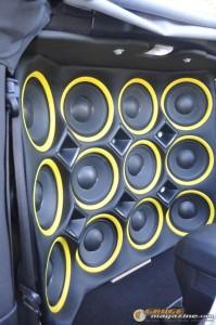 mclaren-jeep-car-audio-7 gauge1404161360