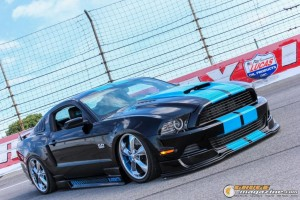 2013-ford-mustang-on-air-suspension-steven-wo gauge1420230731