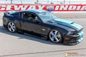 2013-ford-mustang-on-air-suspension-steven-wo gauge1420230740
