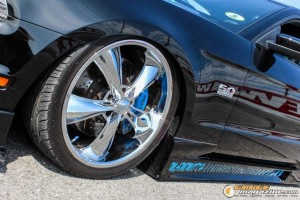 2013-ford-mustang-on-air-suspension-steven-wo gauge1420230747