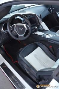 2014-corvette-z51-stingray-13 gauge1417538965