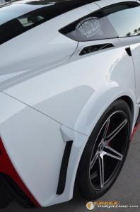 2014-corvette-z51-stingray-21 gauge1417538973