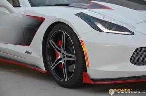 2014-corvette-z51-stingray-26 gauge1417538961