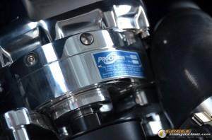 2014-corvette-z51-stingray-5 gauge1417538956