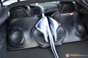 2014-corvette-z51-stingray-9 gauge1417538957