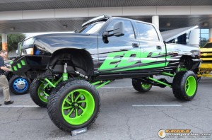 off-road-trucks-sema-2015-107_gauge1449085774