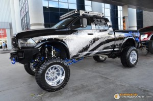 off-road-trucks-sema-2015-108_gauge1449085827