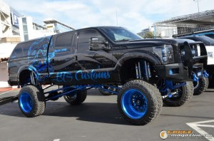 off-road-trucks-sema-2015-126_gauge1449085741