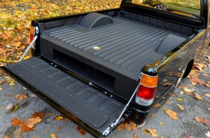 Body-drop-bagged-1993-isuzu-pick-up (4)