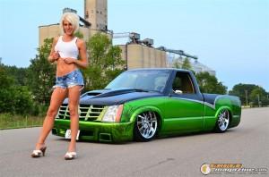 hot-car-model-sarah-27 gauge1359742201