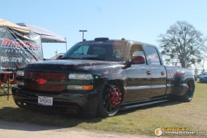 lonestarshowdowncarshow2013-123_gauge1388778073