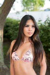 Bikini Model Myndee Kimha (25)