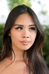 Bikini Model Myndee Kimha (27)