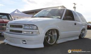 drop-em-wear-car-show-119_gauge1364835235