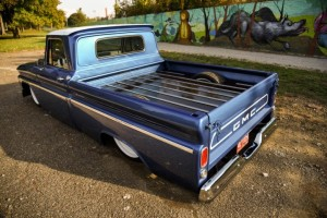 1966-gmc-pickup-on-bags (10)