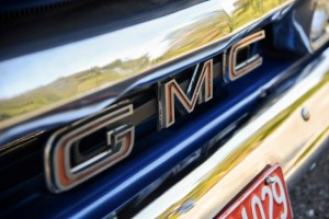 1966-gmc-pickup-on-bags (6)