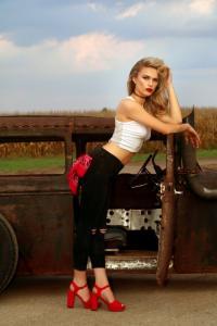 Gauge-Girl-Kelsey-Crisenbery (1)