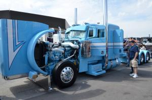 Mid-america-trucking-show-2017 (17)