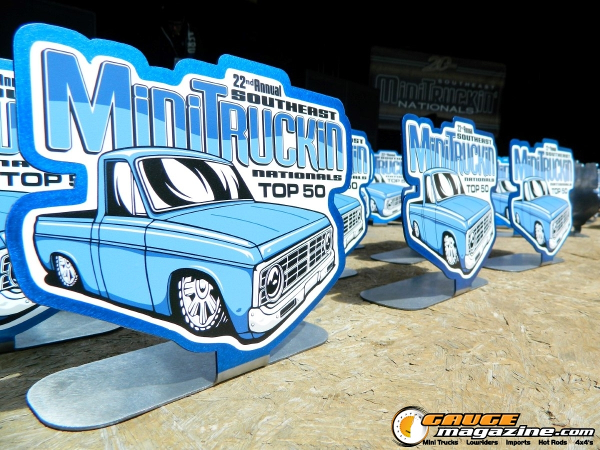 custom trophies at mini truck nationals